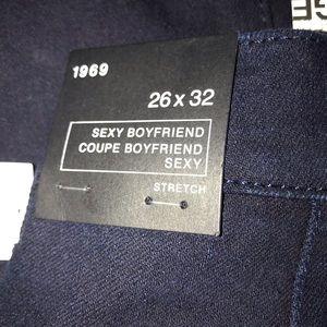GAP Jeans - New Gap Sexy Boyfriend Jeans Size 26/2